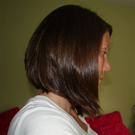 shorter in the back longer in the front bobs layered back angled toward front hair styles pinterest