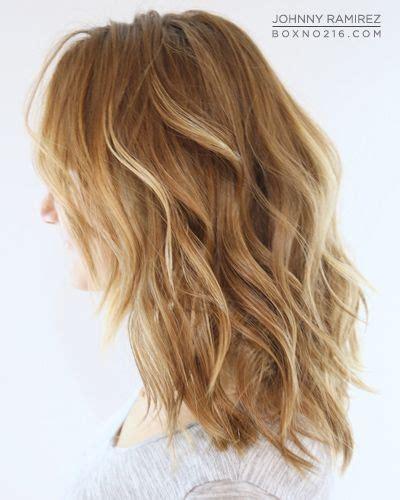 medium length blonde ombre natural blonde ombre medium length hair wavy highlights