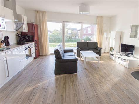 offene küche wohnzimmer heizk 246 rperverkleidung ikea