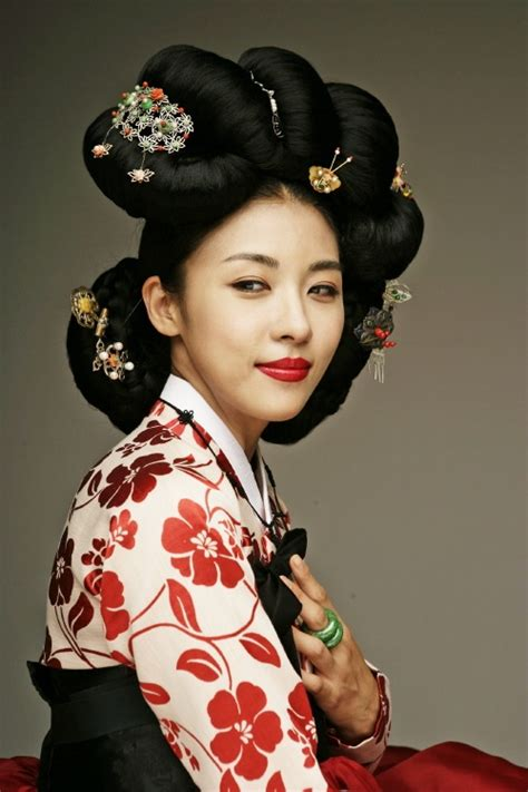 korean hairstyle for hanbok korean culture fashion appreciate the hanbok costume