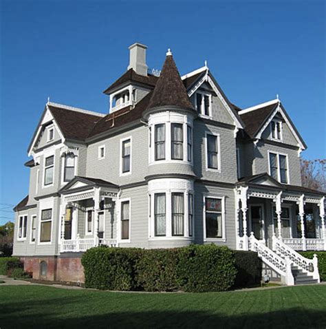 Queen Anne Style House | queen anne style victorian house