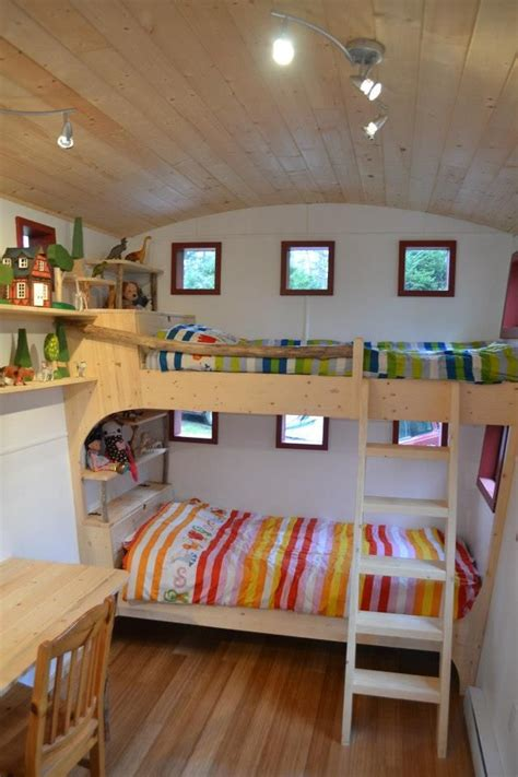 Bunk Bed Caravan Hornby Island Caravans Bunk House Caravans Wagons And Shepherds Huts Pinterest Kurvor