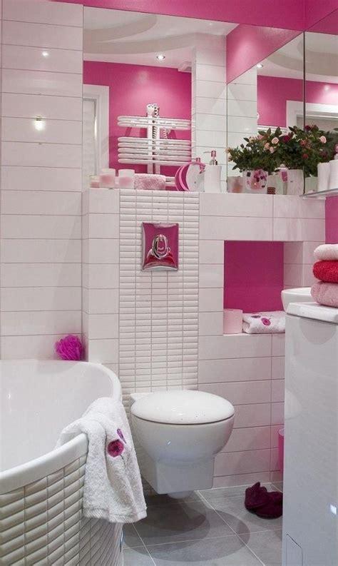 Kleines Badezimmer Wandfarbe by Kleines Bad Badewanne Wei 223 E Fliesen Rosa Wandfarbe Spiegel