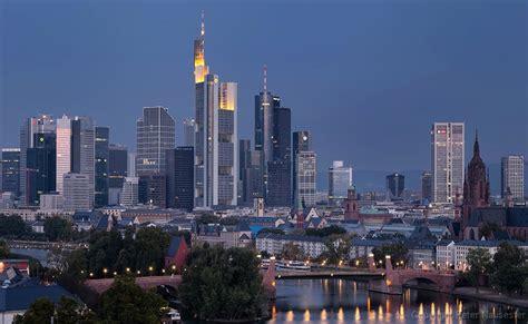 frankfurt am frankfurt skyline