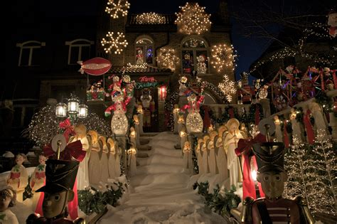 best christmas home decorations in brooklyn dyker lights visitors guide