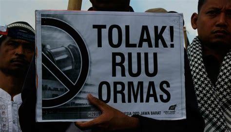 Santri Supremasi koalisi masyarakat sipil tuntut ruu ormas dibatalkan