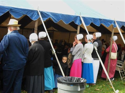 wooly worm races charm days in county ohio 10 10