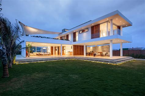 modern mansion beach house architecture gabriel rivera architects have designed a new beachfront