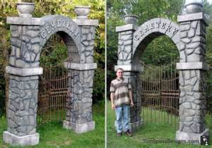 Second Hand Home Decor Carved Foam Cemetery Gates Arches Theme Park Prop Tom