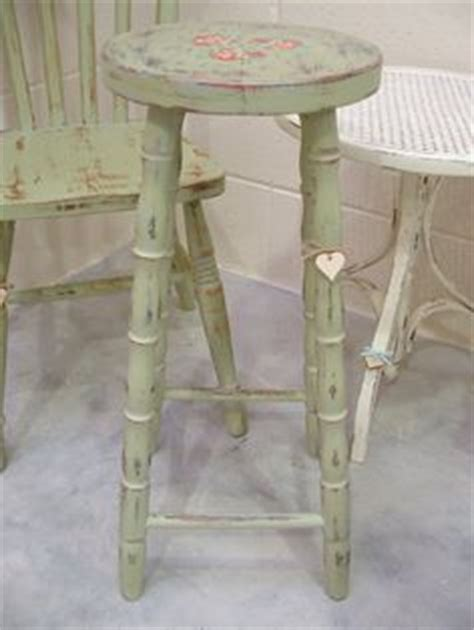 banquitos on pinterest stools decoupage and madeira