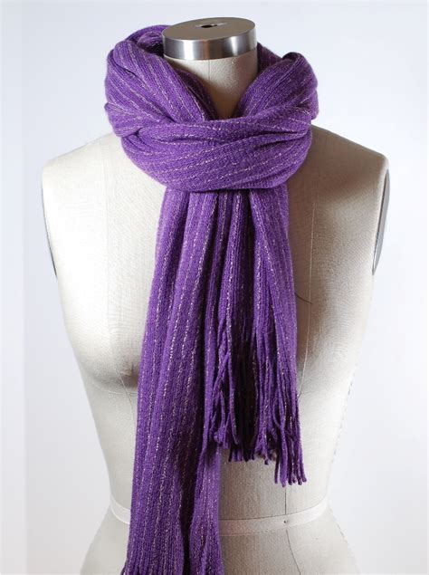 how to tie a scarf loop and tuck scarf knot