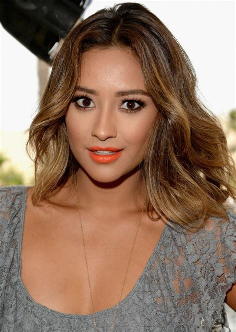 shay mitchell house shay mitchell attends lucy hale s performance at the hollister house