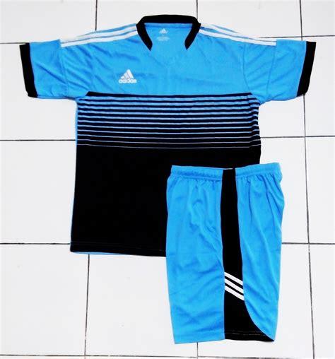 Setelan Kaos Nike Totalninety Hitam Biru Kostum Futsal jual beli setelan kostum futsal sepak bola adidas attack biru hitam setelan futsal