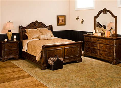 Raymond And Flanigan Sofas by Traditional Bedroom Collection Design Tips