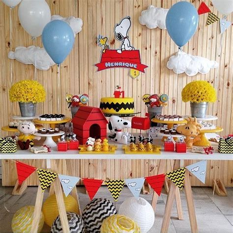 Snoopy Birthday Decorations by 25 Best Ideas About Snoopy Birthday On Snoopy