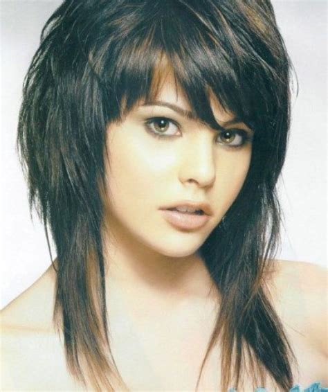 shaggy hairstyles 25 best ideas about medium shag haircuts on