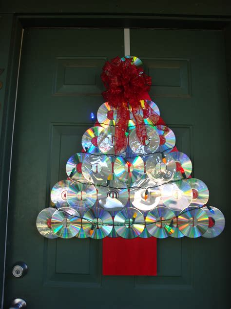 make a christmas tree door decoration from old cds big