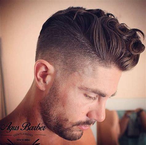 latino mens wetlook pompador hairstyles tagli pompadour per uomini trend capelli