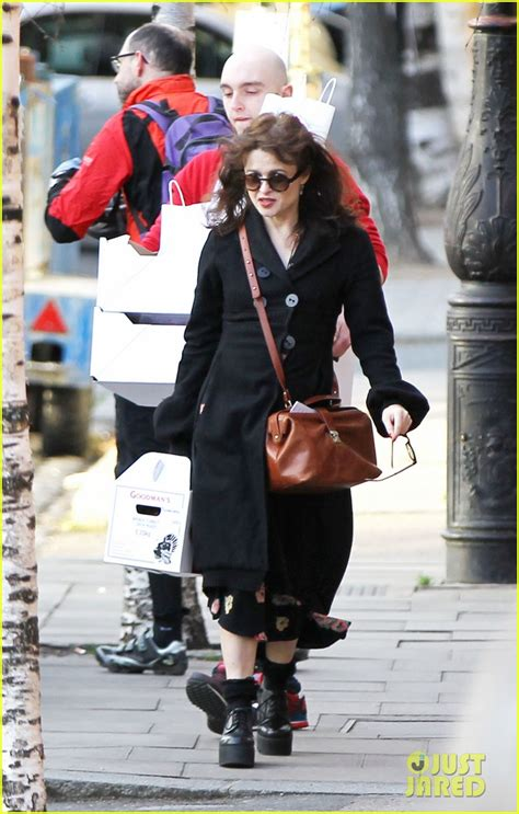 Setelan Baby Grab By Carters Junior helena bonham tim burton grab friendly lunch with