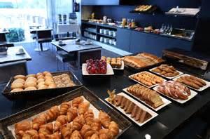 what is a buffet l hotel vilamar 237 food beverage