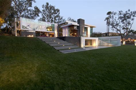 contemporary summit house in beverly by whipple