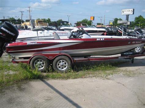 tritoon boats tulsa 2008 triton boats 20x2 dc 20 foot 2008 triton boat in