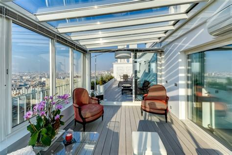 veranda per cer appartement de luxe avec une vue imprenable sur