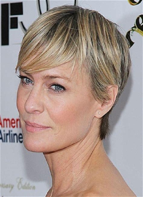 16 short haircuts for older women learn haircuts