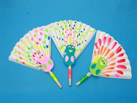 Paper Craft Fan - cool this summer with diy peacock paper fans