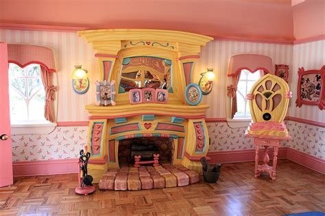 Minnie Mouse Bedroom minnie s country house interior photo 2 of 34