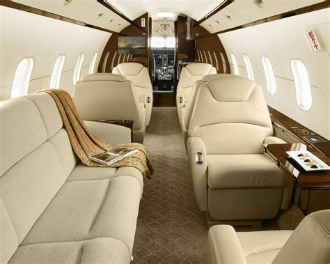 bombardier flyprivate jet charter