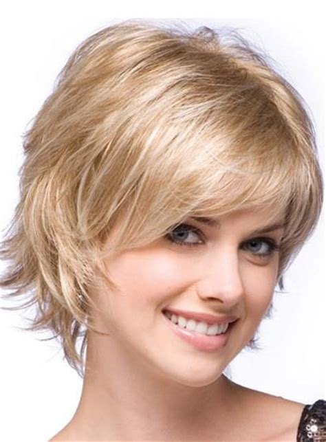 short hair ut feathered off face best haircuts for thick hair oval face