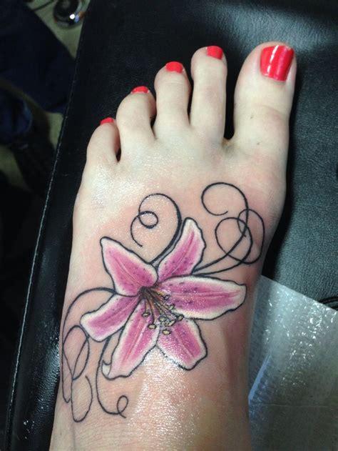 stargazer lily tattoos best 25 stargazer tattoos ideas only on