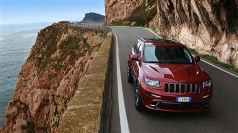 red jeep wallpaper red jeep grand cherokee srt8 hd wallpaper wallpaperfx