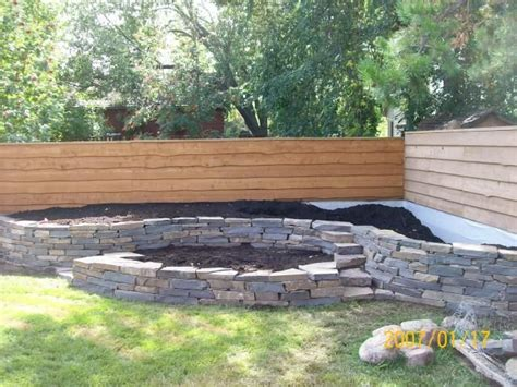Raised Garden Bed Fence Ideas Garden Fence Plans Design Raised Bed Along Fence