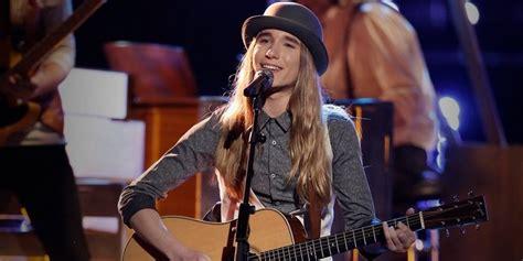 long hair on voice voice winner sawyer fredericks kicks off tour at