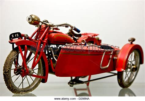 Motorrad Mit Beiwagen Spielzeug by Old Motorcycle Side Car Stockfotos Old Motorcycle Side