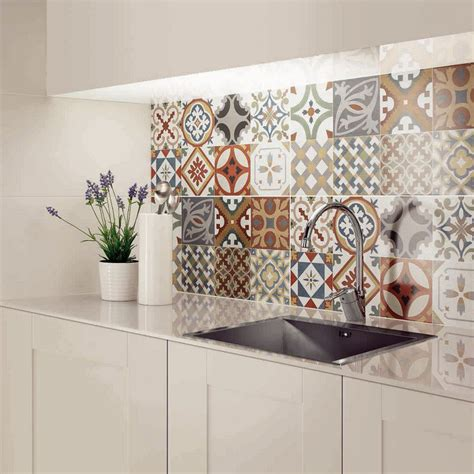 Merveilleux Revetement Mural Pour Cuisine #5: carrelage-mural-cuisine-carreaux-ciment-patchwork-motifs.jpg
