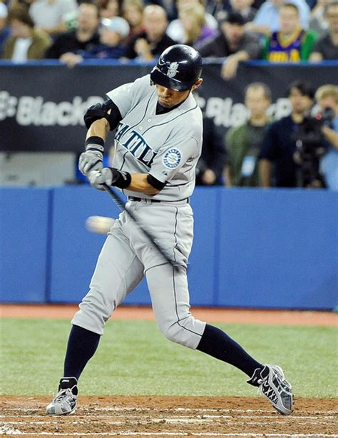 swing seattle ichiro suzuki pictures seattle mariners v toronto blue