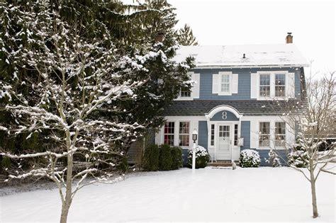 reasons  buy  house   winter