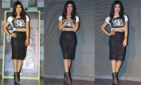 priyanka chopra dance performance in 56 idea filmfare awards 2011 priyanka chopra has an oops moment in see through skirt