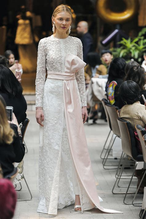 Top It New Year Trend Couture In The City Fashion by Top 5 Trends From Bridal Fashion Week 2018