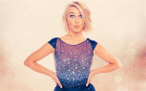 what is the description of julianne hough s haircut in safe haven julianne hough sexy photos