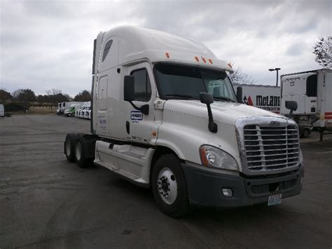 Used Truck Sleeper For Sale by Used Sleeper Tractors For Sale In Ks Penske Used Trucks