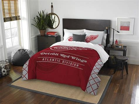 red wings comforter 1000 ideas about queen comforter sets on pinterest