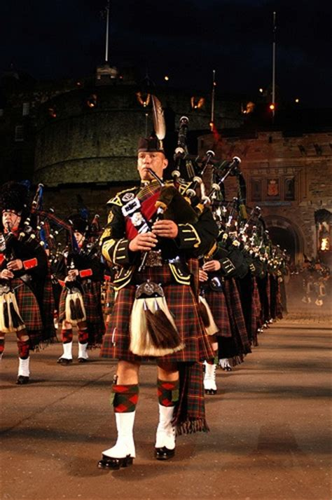 edinburgh tattoo bagpipes massed pipes drums by the royal edinburgh military