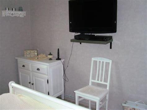 petits plats en chambre ma chambre photo 4 5 ecran plat sur le mur petit