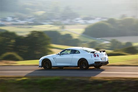 nissan gt  track edition announced  perfect gt    road evo