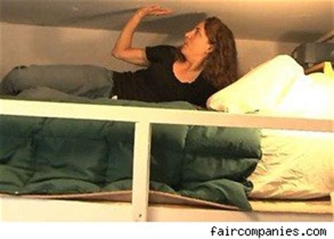 woman lives in 90 square foot new york apartment