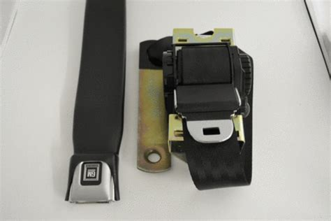 three point seat belts for classic cars classic car front seat belts morris classic